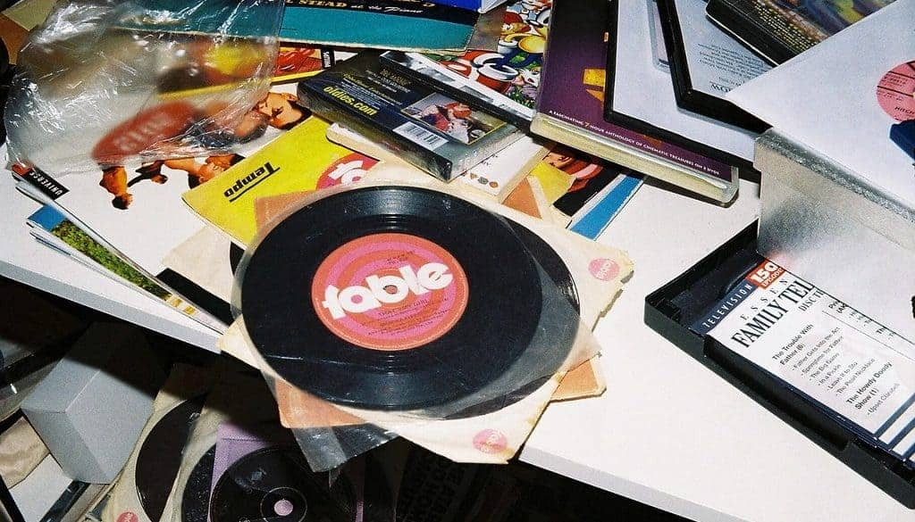 how to clean a record
