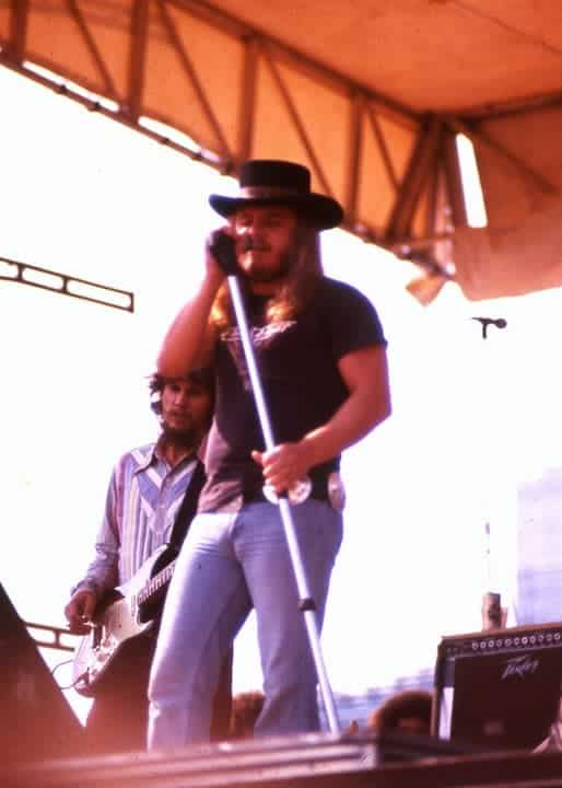 "Ronnie Van Zant of Lynyrd Skynyrd performing ""Free Bird"" at Soldier Field in Chicago, Illinois on July 10th 1977 during the bands ""Street Survivors"" tour."