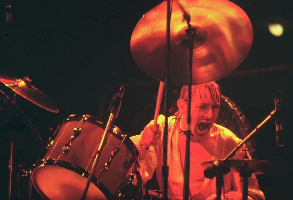 Bad Company drummer Simon Kirke (1976).
