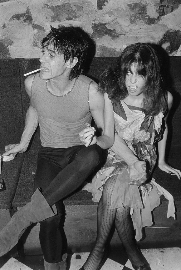 Lori Maddox and Iggy Pop partying.