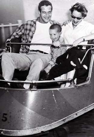 Jackie Witte and Paul Newman with their son Scott Newman (1955).