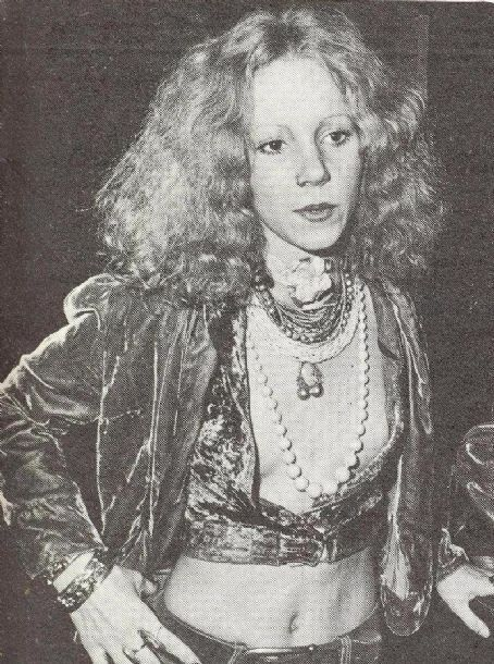 Sable Starr at a nightclub.