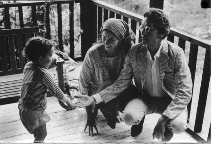 Bob and Sara Dylan with their son Jesse Dylan.