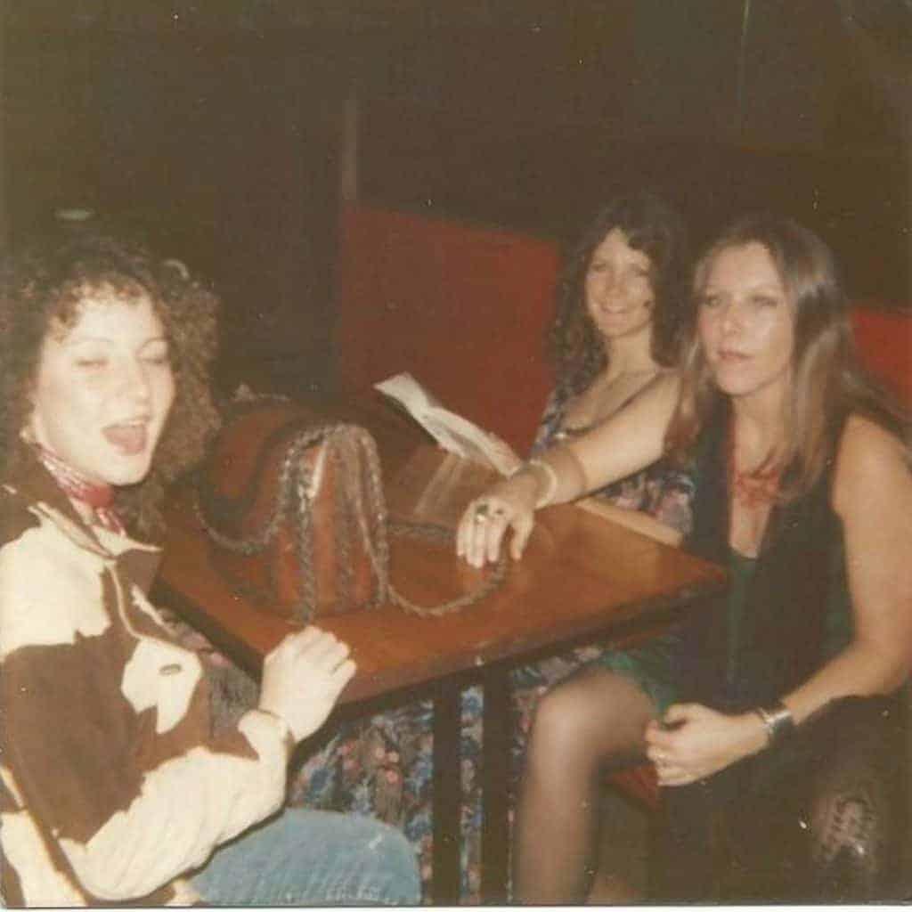 JoJo Billingsley, Leslie Hawkins and Cassie Gaines. The Honkettes.