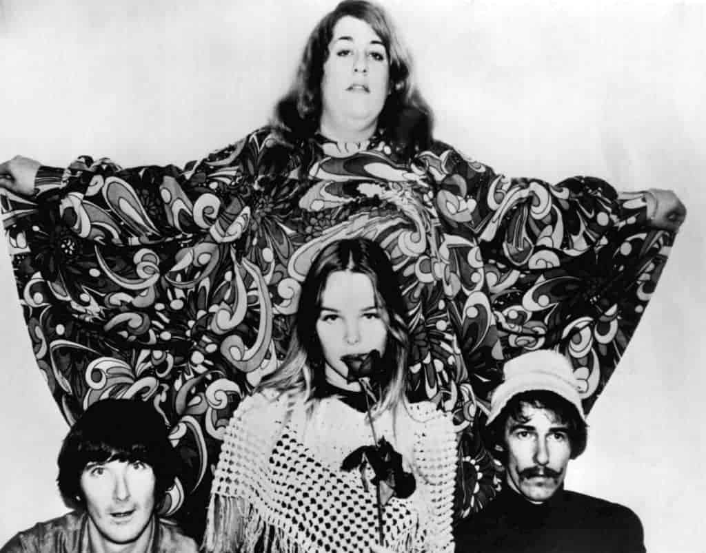 The Mamas and the Papas from the ABC television program, The Songmakers. Cass Elliot stands at back, Denny Doherty. Michelle Phillips and John Phillips are at front.