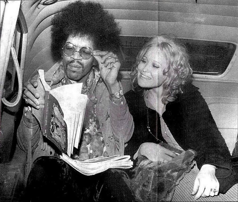 Jimi Hendrix with Carmen Borrero, Cincinnati, Ohio (1968).