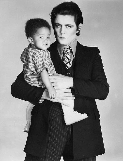 Marc Bolan and his son Rolan Bolan (1977).