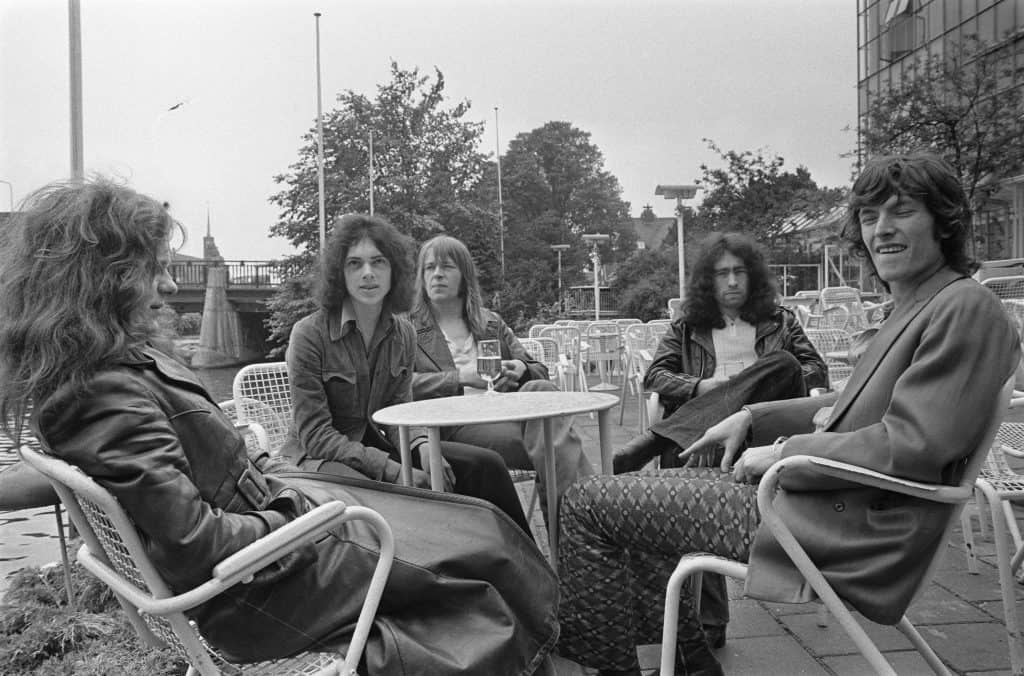 Free & Steve Winwood (Amsterdam, 16 July 1970). From left to right: Paul Kossoff, Andy Fraser, Simon Kirke, Paul Rodgers & Steve Winwood.